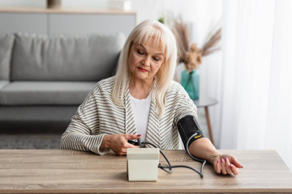 Como medir a pressão arterial em casa