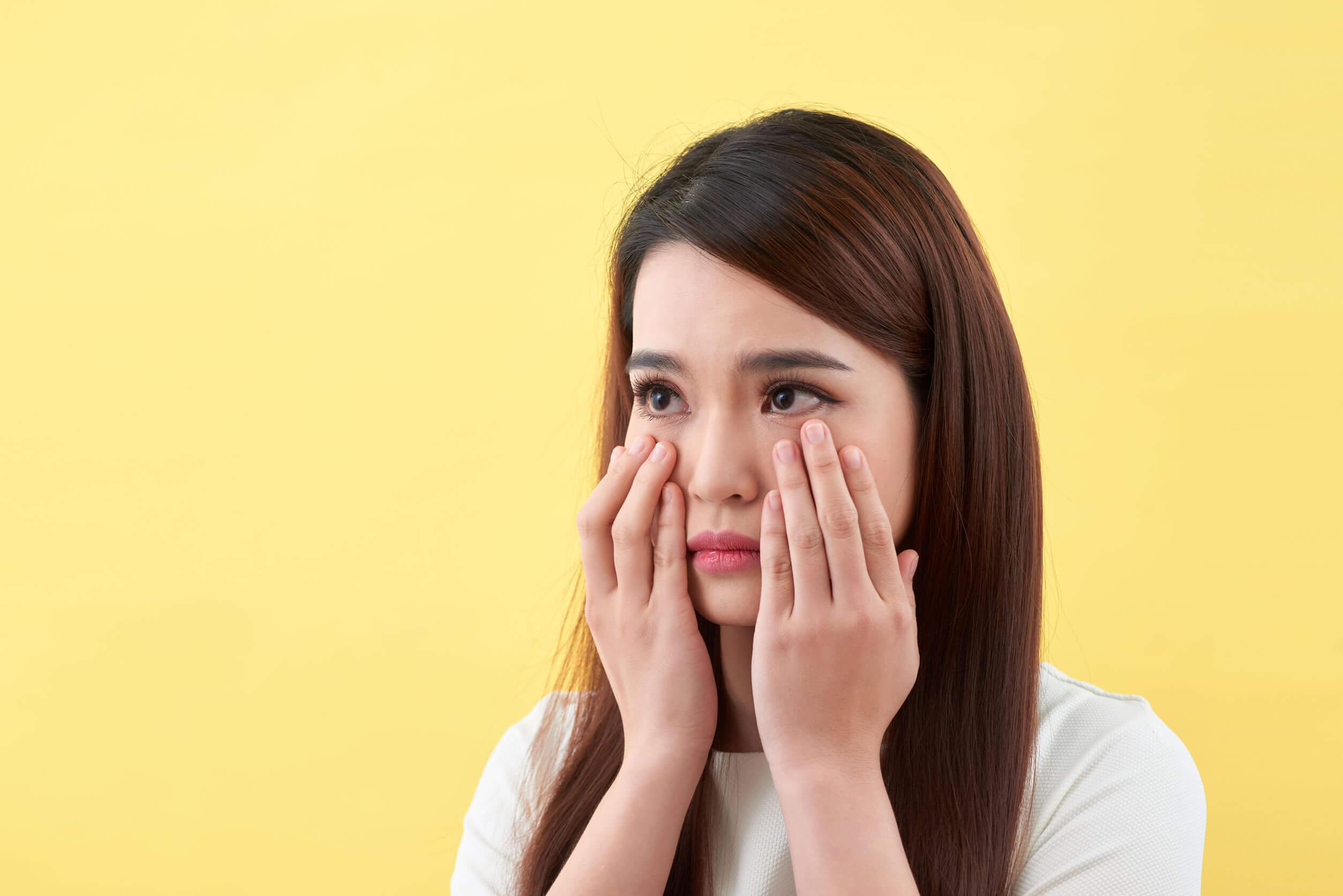 Os sinais e sintomas da acne são diversos