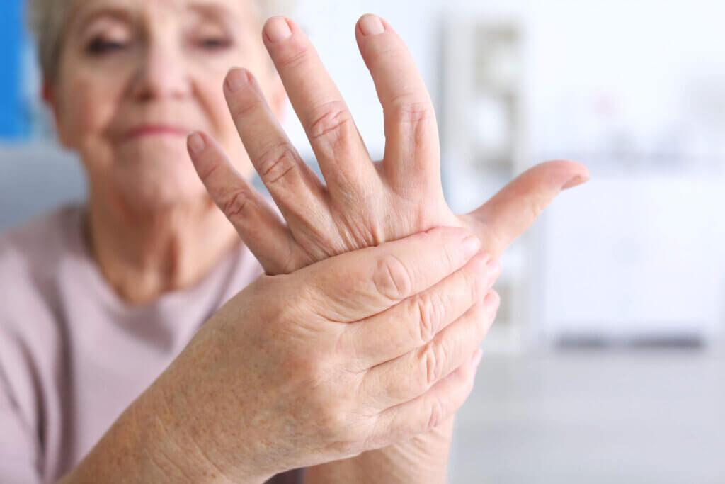 Dentre as doenças autoimunes, destaca-se a artrite reumatoide