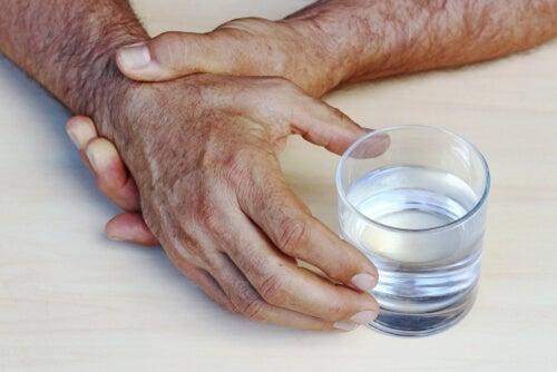 Maladie de Parkinson: causes, symptômes et traitements