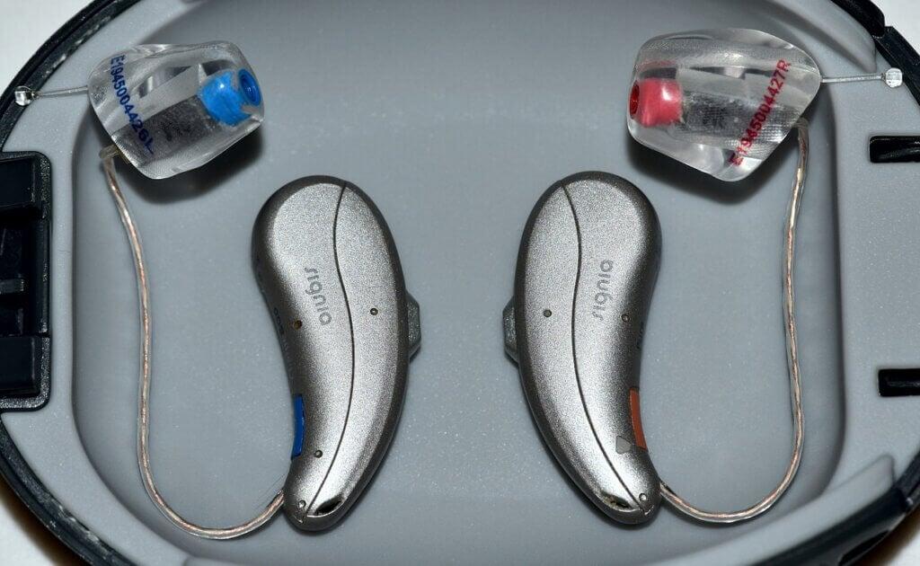 Audífonos para la hipoacusia.